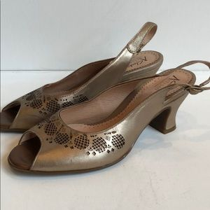 Clark's Artisan Collection Leather Cut Out Shoe